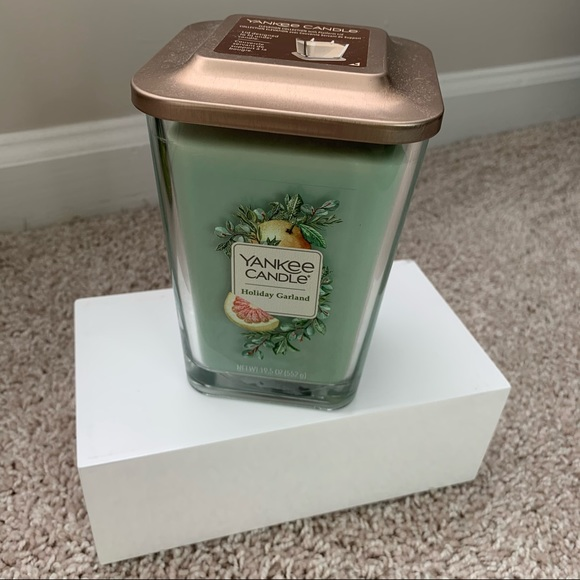 Yankee Candle Holiday Garland 2-Wick Candle